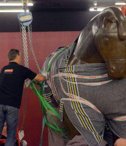 Kunstwerken Fernando Botero komen aan in Rotterdam