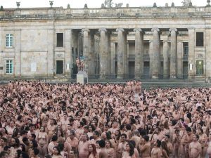 Spencer-Tunick03