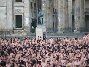 Spencer-Tunick04
