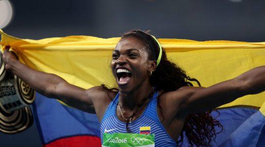 Caterine Ibargüen wint goud op hink-stap-springen in Rio