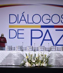 Regering stelt vredesgesprekken met ELN uit