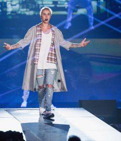 Justin Bieber is aangekomen in Bogota