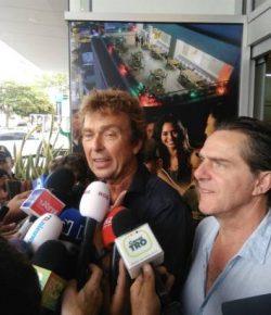 Derk Bolt en Eugenio Follender geven persconferentie