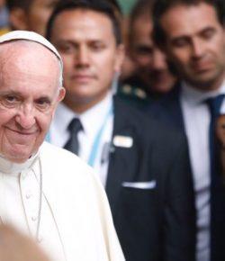 Paus vraagt om vergeving voor drugsmoordenaars