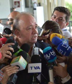 Minister van Defensie spreekt zorgen uit over aanvallen ELN vanuit Venezuela