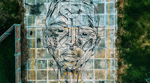 Wereldberoemde graffitikunstenaar Hopare aan het werk in Colombia