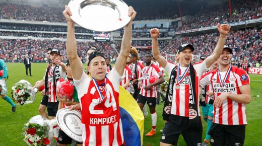 Santiago Arias wint met PSV landstitel