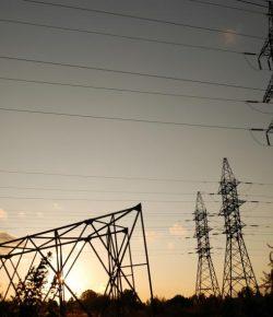 Ruim 200.000 inwoners in Nariño zonder elektriciteit door aanslag op elektriciteitsmast