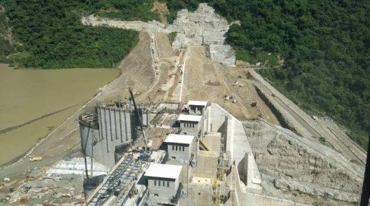 Stuwdam Hidroituango bereikt belangrijke hoogte van 410 meter, code rood blijft grotendeels gehandhaafd