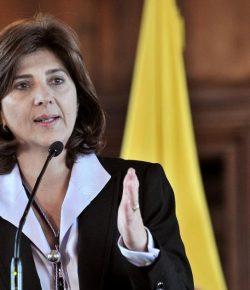 Colombiaanse minister van Buitenlandse Zaken reist naar Havana voor dialoog met ELN