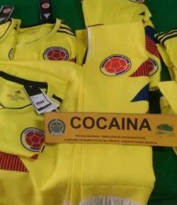 Colombiaanse politie vindt cocaïne in voetbalshirts bestemd voor Groningen