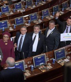 Voormalig leden FARC nemen zitting in Colombiaanse Senaat