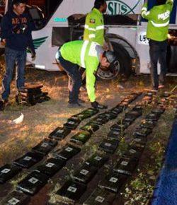 In Ecuador gecrashte Colombiaanse bus vervoerde meer dan een halve ton marihuana