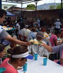 Colombiaanse kerk helpt 5.000 Venezolaanse vluchtelingen per dag